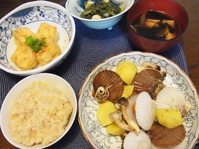 ホタテ稚貝とジャガイモのバター炒め&凹んだ~(;××)/