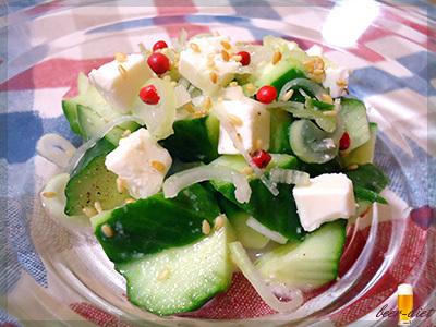 きゅうりとクリームチーズのねぎ塩ペッパーサラダ