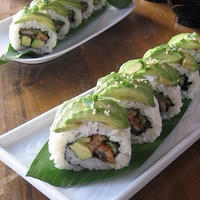 鰻とアボカドのロール寿司♪