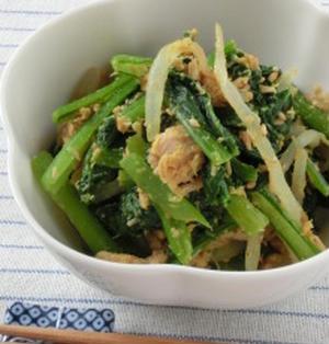 子供でも食べやすい♪小松菜とツナともやしのカレー風味ゴマ和え