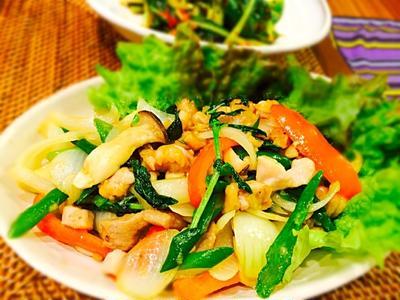 晩御飯〜タイ料理鳥肉バジル炒め&牛肉大根スープ