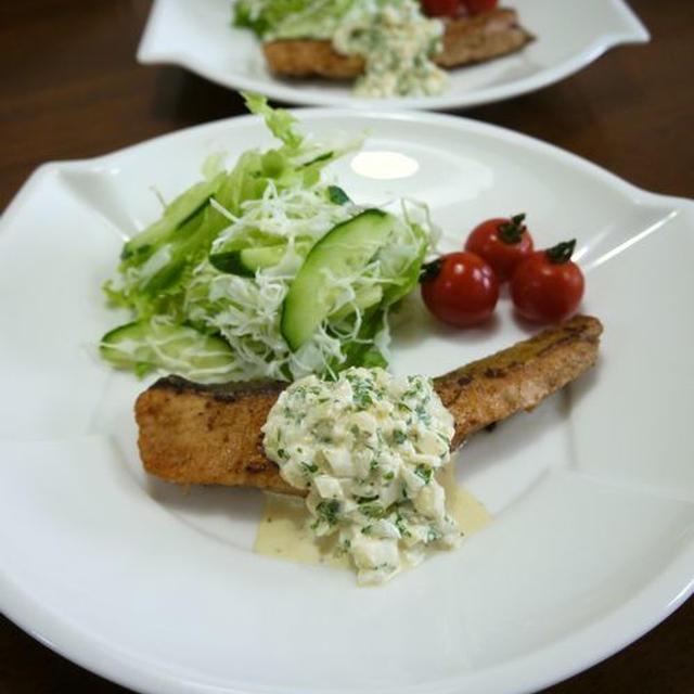 【簡単レシピ】アンチョビマヨde鮭のタルタルソース♪