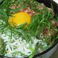 新米で作る、しらすマグロ丼。