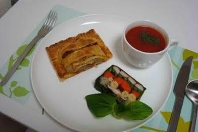挽肉とポテトのパイ、野菜のテリーヌ、簡単トマトスープ(Meat Pie, Vegetable Terrine, and Tomato Soup)