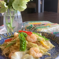 モニター 1人ランチは春野菜でパクチー・レモン風味の塩焼きそば・・エスニック風で美味しい!!