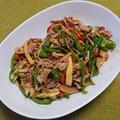 豚肉と細切り野菜のオイスターソース炒め・青椒肉絲