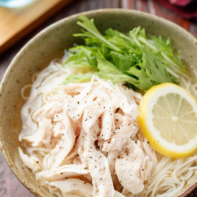 ゆで鶏と水菜のつるつる塩そうめん【#簡単 #時短 #節約 #包丁不要 #さっぱり #ヘルシー #夏休み #ランチ #主食】