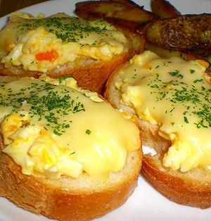 とろとろチーズのフランスパン