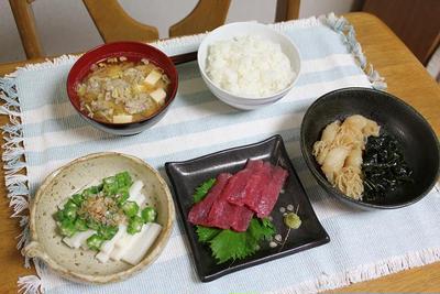 いわしのつみれ汁と結びしらたきとわかめの煮ものと長芋とオクラの小鉢でうちごはん(レシピ付)