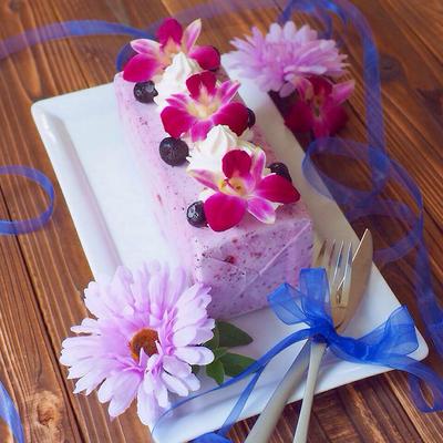 牛乳パックで簡単!ブルーベリーチーズのアイスケーキ