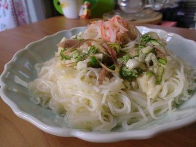 ネバネバでパワーUP♪オクラと長イモのたたき素麺