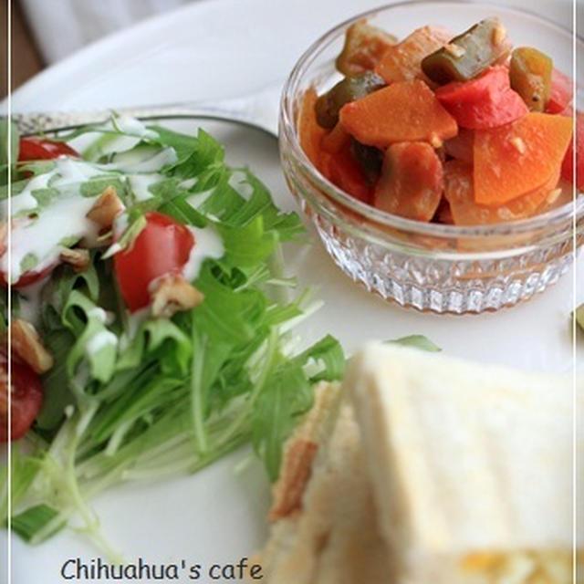 ラタトゥユとタマゴサンドの朝食