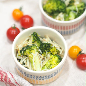 【レシピ】レンジで簡単♡ブロッコリーとえのきの塩にんにく♡〈糖質オフおかず•ダイエット〉