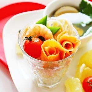 今年のひな祭りはカップ寿司で食べやすく☆可愛く食卓を彩ろう!