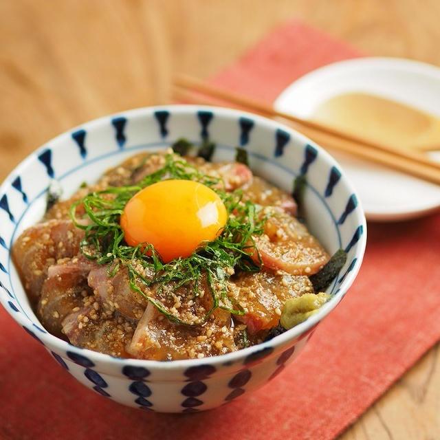 鯛のごま漬け丼 、 台風被害にお気をつけください。