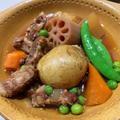 1回の調理で2度楽しめる豚軟骨の肉じゃが風と野菜ジュレ