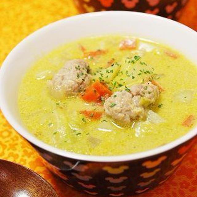【ナツメグ】春キャベツと肉団子の豆乳カレースープ