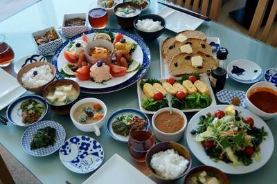 【THE.朝ご飯は和洋折衷バイキング】バレンタイン翌日の朝 こちらも殆どが家で作って持参です♪