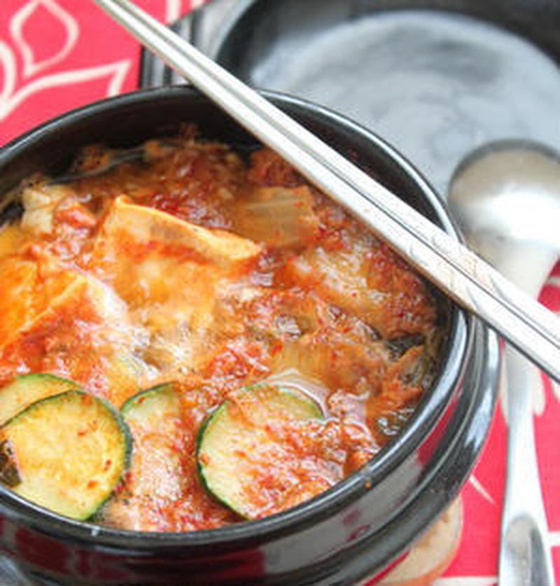 簡単&お手軽♪「缶詰」で作る絶品チゲレシピ