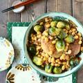 フライパンひとつで! 手羽先と芽キャベツの甘辛煮