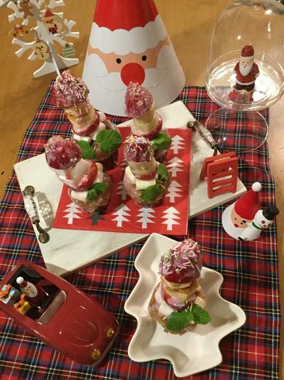 ホットケーキミックスとポッキーで簡単♡イチゴツリーのスイーツ菓子♡クリスマスパーティーに♬