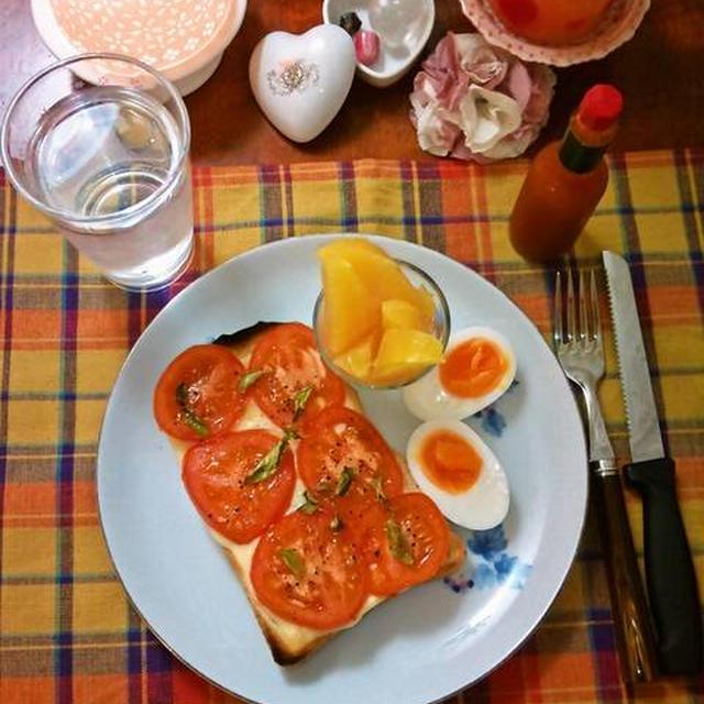 トマト&バジルのチーズオープンサンドイッチ ~ 熱々にトーストして♬