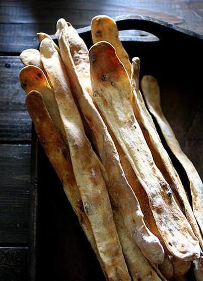 パリッと美味しい薄焼きグリッシーニ