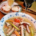 ポークとリオナソーセージと野菜のスープ ~ 岩塩とハーブひきたつ♪