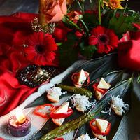 花と家バルを愉しむコーディネイト その3 ドラセナの葉に しらすとチーズのブルスケッタ