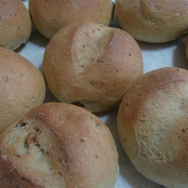 米ぬかとくるみのふんわりパン