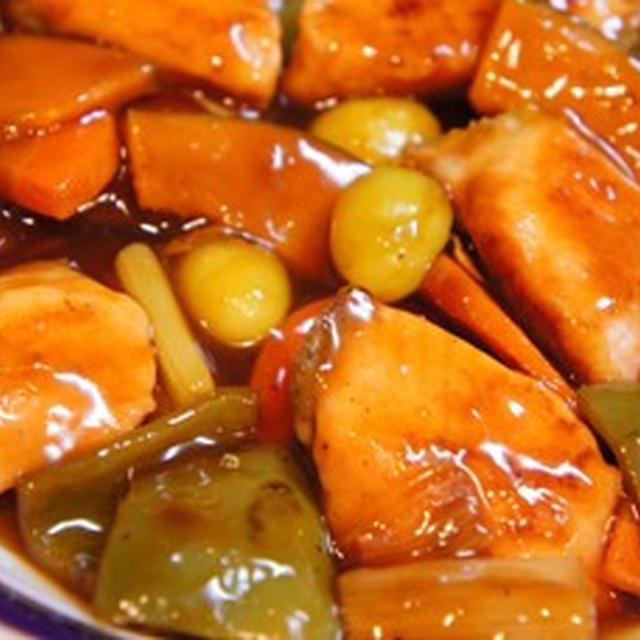 フライパンで簡単、酢豚ならぬ酢鮭と自家製ホタテ醤油で食べすぎ注意の中華炊き込みご飯