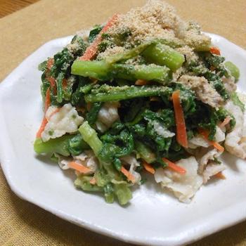 サッとゆでて簡単&減塩〜春菊と豚バラ肉のおかずサラダ。