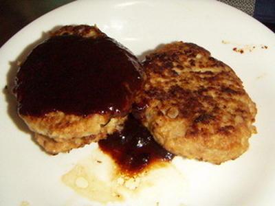 びっくりドンキーよりおいしいらしい、ハンバーグの作り方 by aitonintaiさん