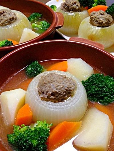玉ねぎの肉詰めスープです☆