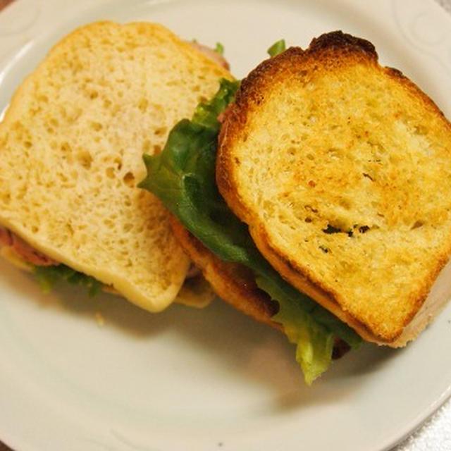 焼き塩豚のサンドイッチ
