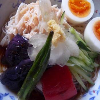 中華風あっさり素麺 焼き野菜乗せ