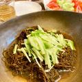 【ずるずる食べたい】沖縄もずくは自家製ポン酢をたっぷりかけて、そうめん風