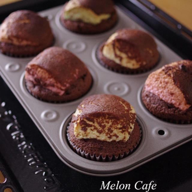 【レシピ】ぷっくり大きなマシュマロのチョコレートマフィン☆ホットケーキミックスで簡単おもしろスイーツ(まるごと豪快スモア風♪)