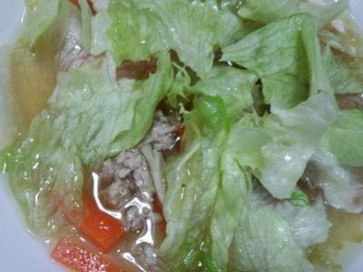 肉団子とレタスのスープ