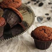 ホットケーキミックスで簡単!しっとり濃厚チョコカップケーキ