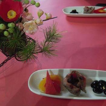 新春の前菜、鶏肉のアヒージョ、生ハムパテと味わうイタリア赤ワイン
