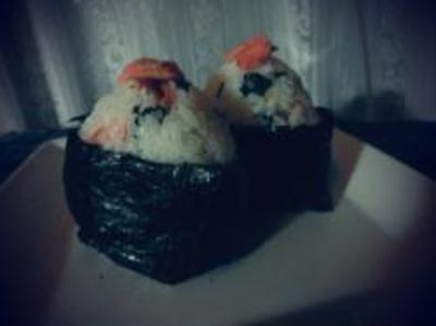 *紅鮭と塩漬けおおばのおむすびちゃん♪