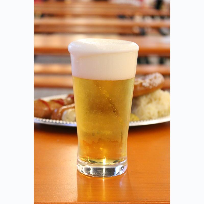 今回が日本初登場となるアウグスティナー醸造所の、「ラガービアヘル」(460ml 2,800円 デポジ...