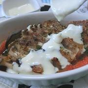 チーズソースで汁ごと美味い♪ エリンギと豚バラのミルフィーユ焼き