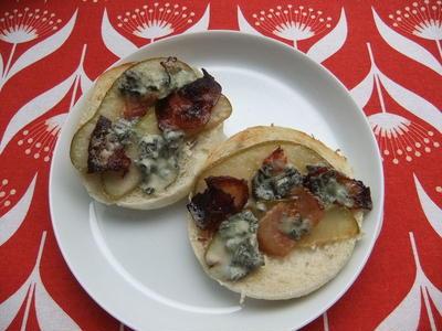 ベーコンと洋ナシとチーズのマフィン【Bacon, Pear and Blue Cheese Muffin】