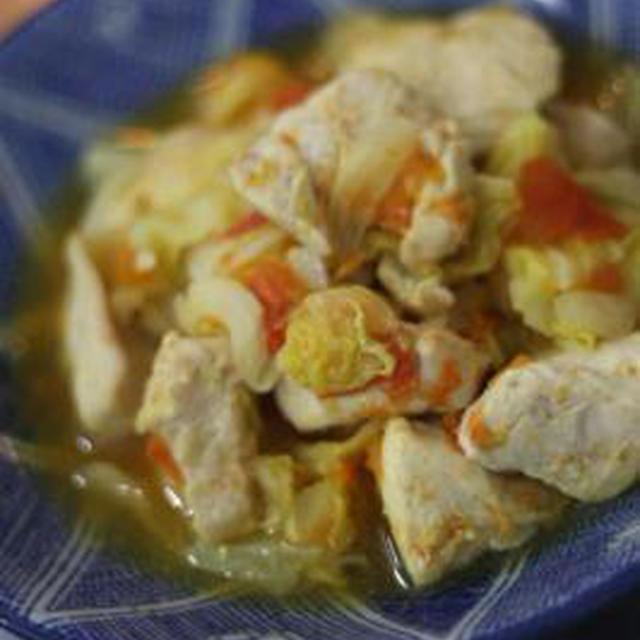 鶏むね肉とキャベツとトマトの塩麴蒸し