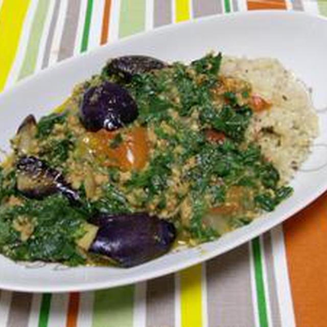 夏野菜の魅力がギッシリです!!モロヘイヤと茄子のキーマカレー