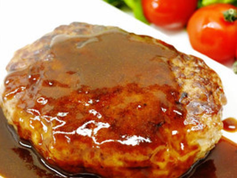 京都ポークを100%使用した、ジューシーなハンバーグのセットです。本格スパイスがお肉の味を引きだして...