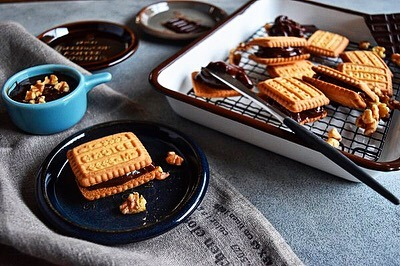 すぐできる!バターナッツチョコクリームのクッキーサンド