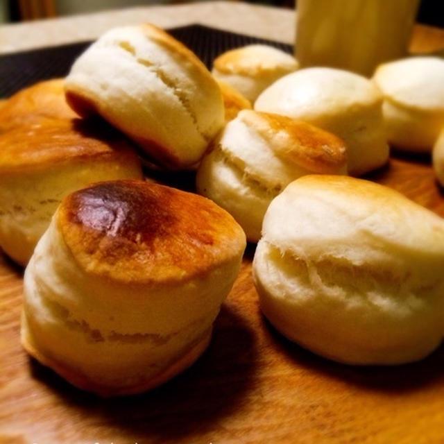 桃と甘酒酵母のスコーン/バナナヨーグルトシフォン。